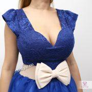 rochie albastra detaliu