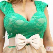 rochie cu dantela verde detaliu
