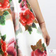 rochie cu trandafiri detaliu