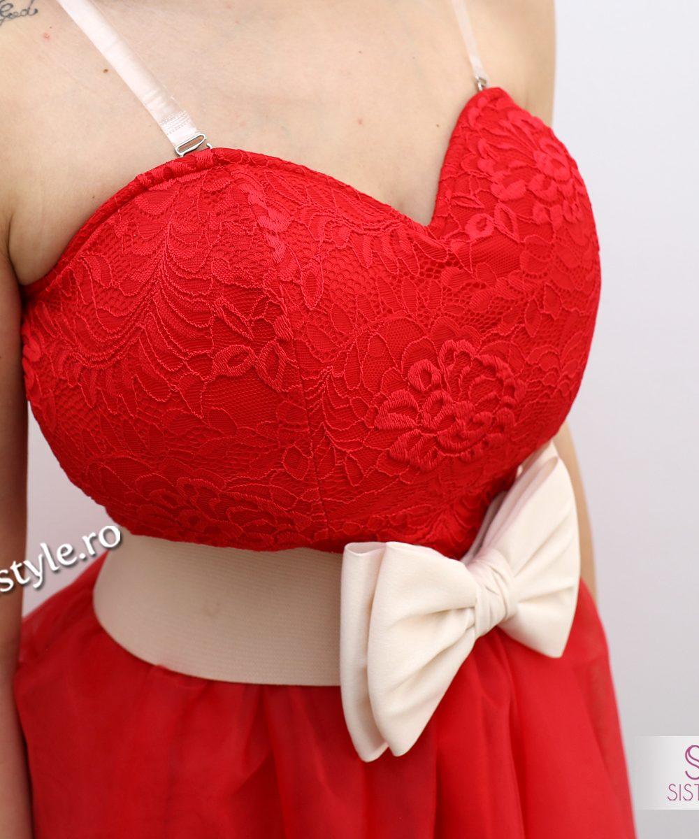 rochie rosie detaliu